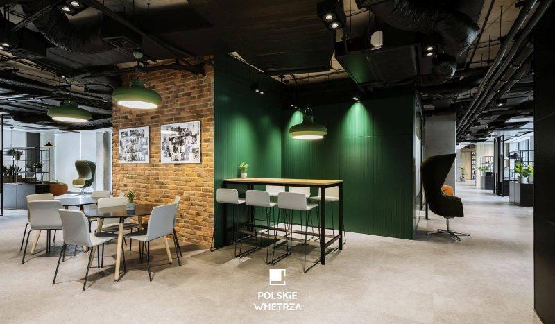 Nowoczesne biuro w miejscu dawnej fabryki spirytusu - Polskie Wnętrza