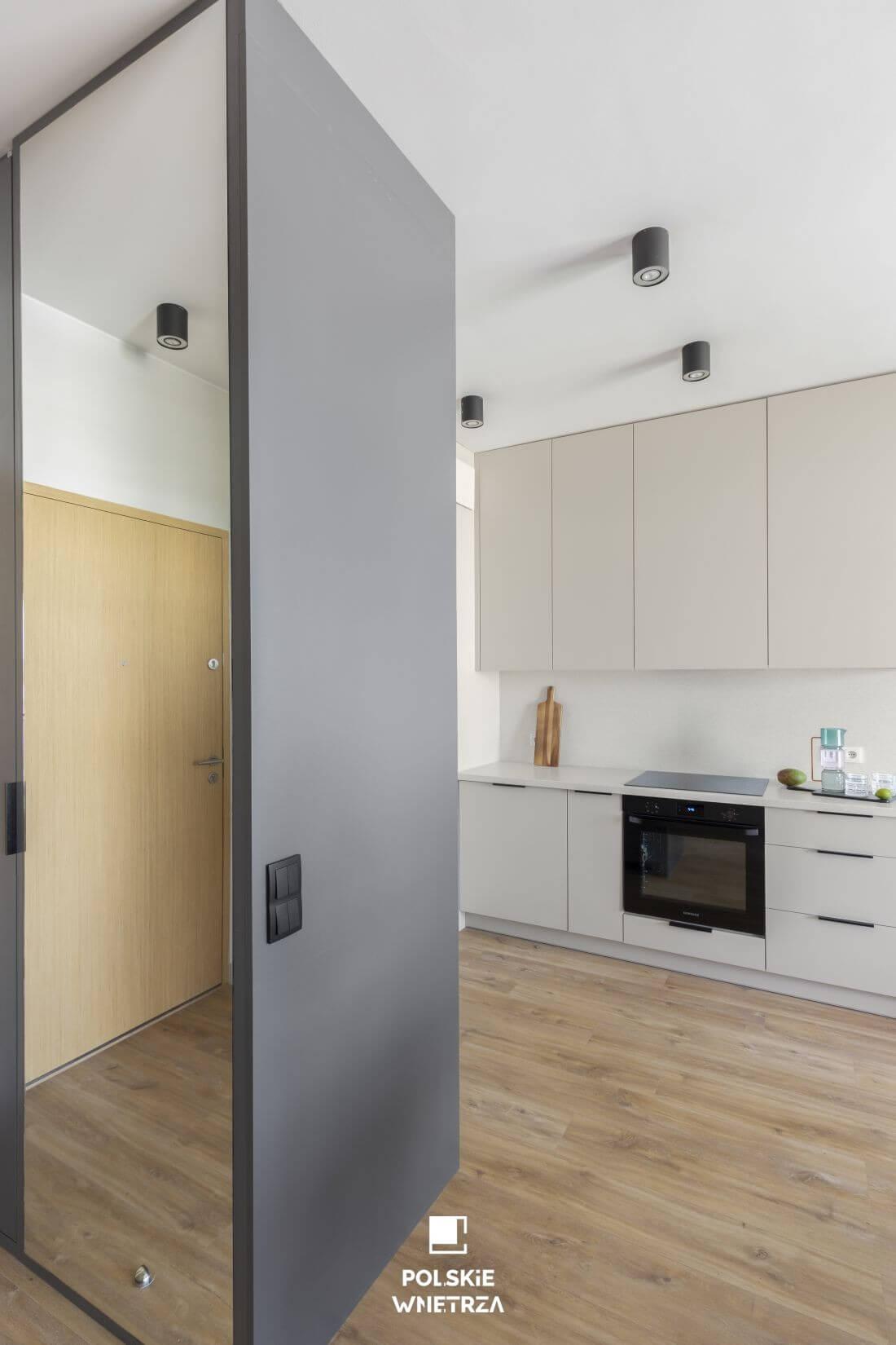 Polskie Wnętrza - Decoroom - Funkcjonalny minimalizm na 35 metrach kwadratowych